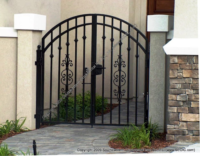 ประตูรั้วบ้าน