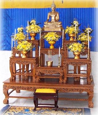 โต๊ะหมู่บูชา