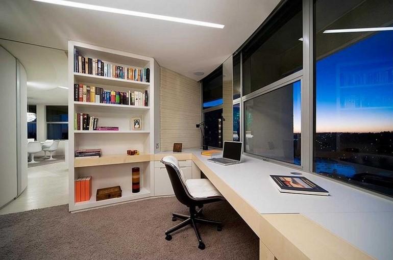 โต๊ะหนังสือ